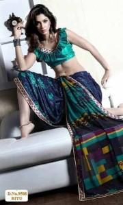 bikini shopping_sari